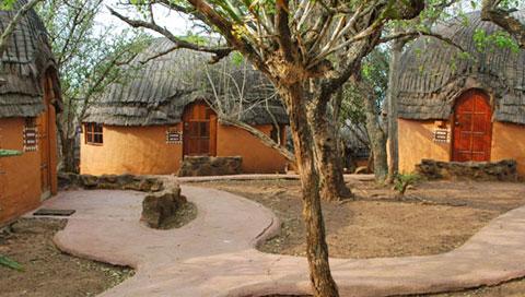 -protea-hotel-shakaland-huts-exterior-480
